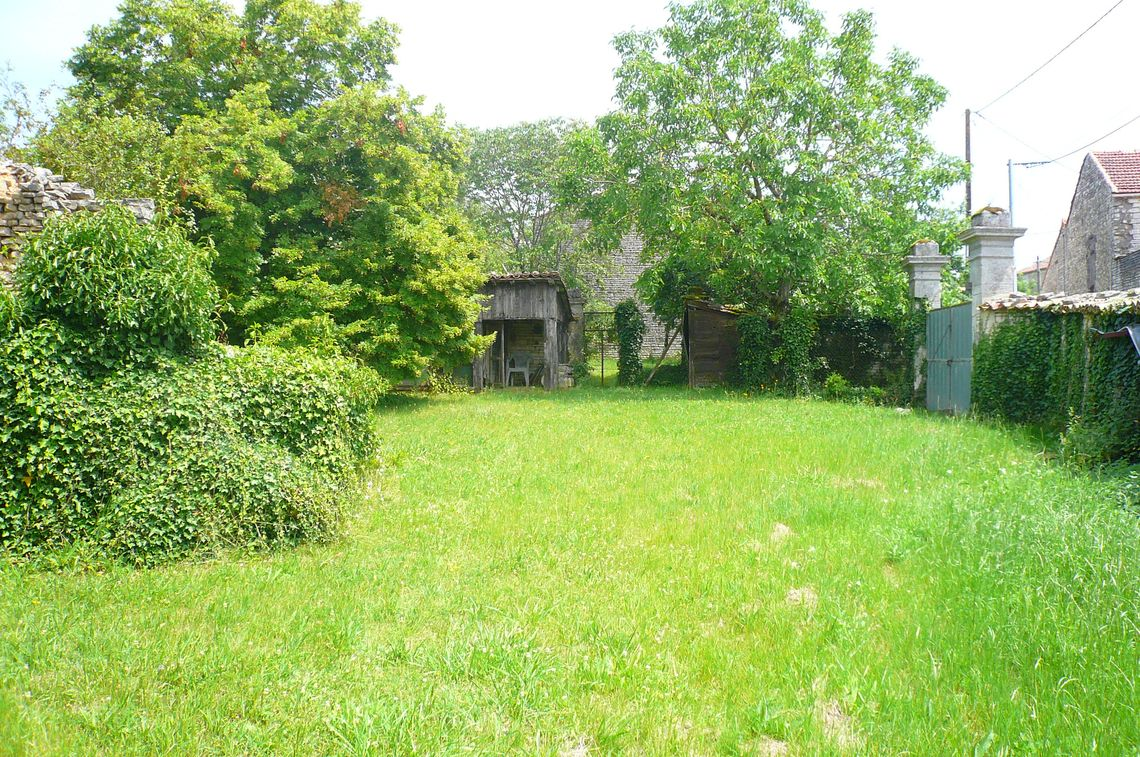 Environnement et jardin typiquement charentais
