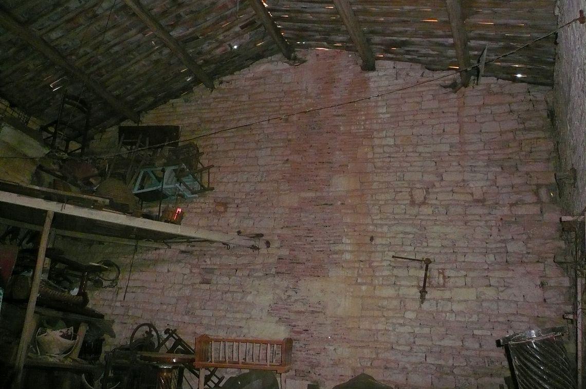 Bâtisse en pierre à restaurer entièrement