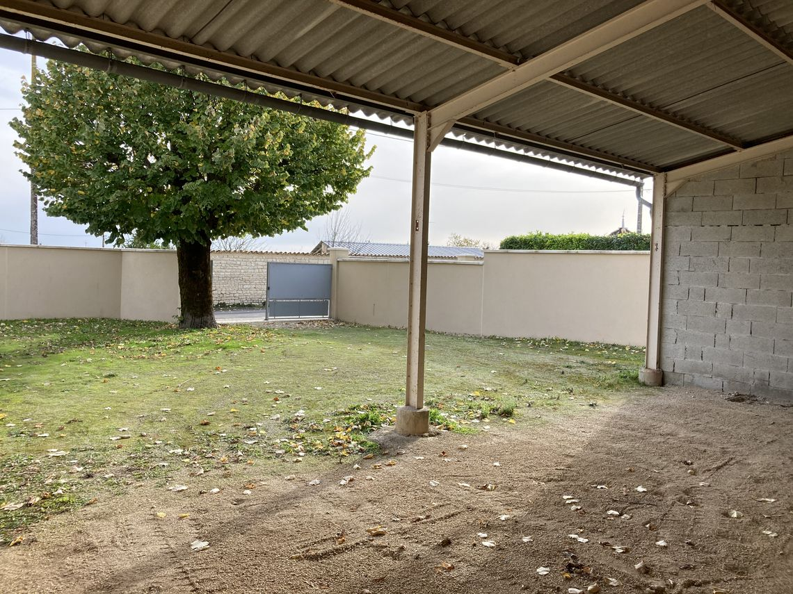 Environnement et situation de cette grange à transformer en habitation