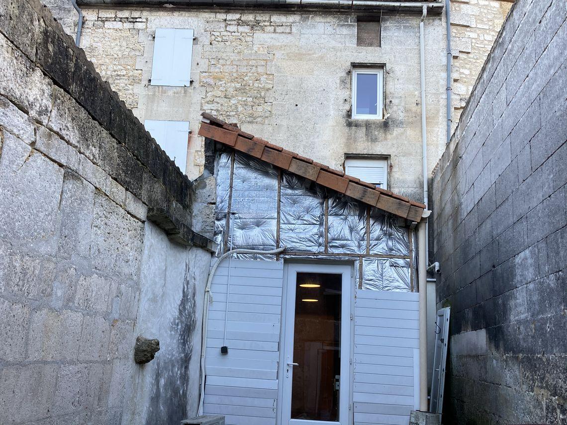 Maison de ville avec commodités accessibles à pieds
