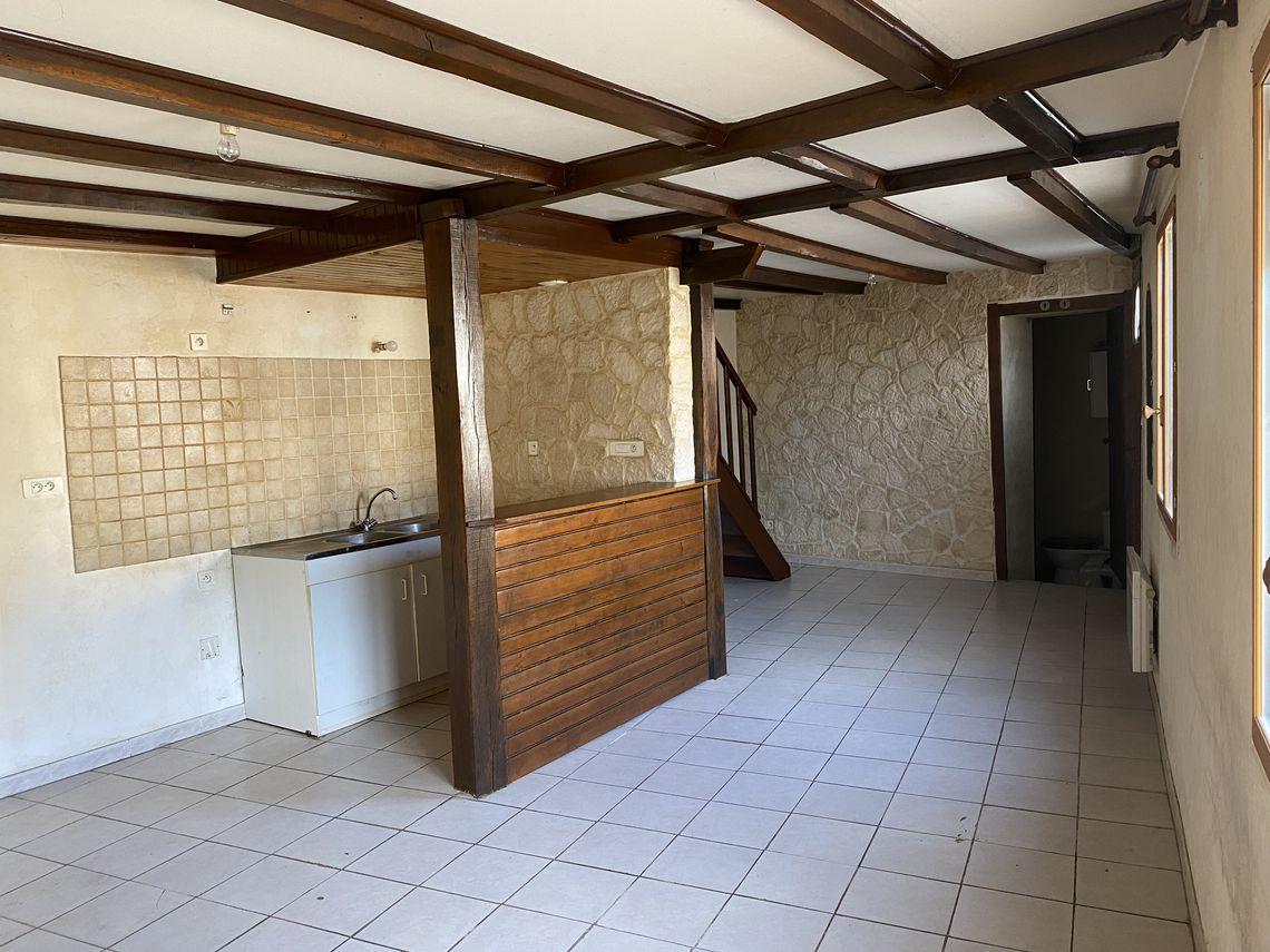 Maison de village à étage
