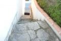 Maison de ville en pierre à rafraîchir avec garage et jardin