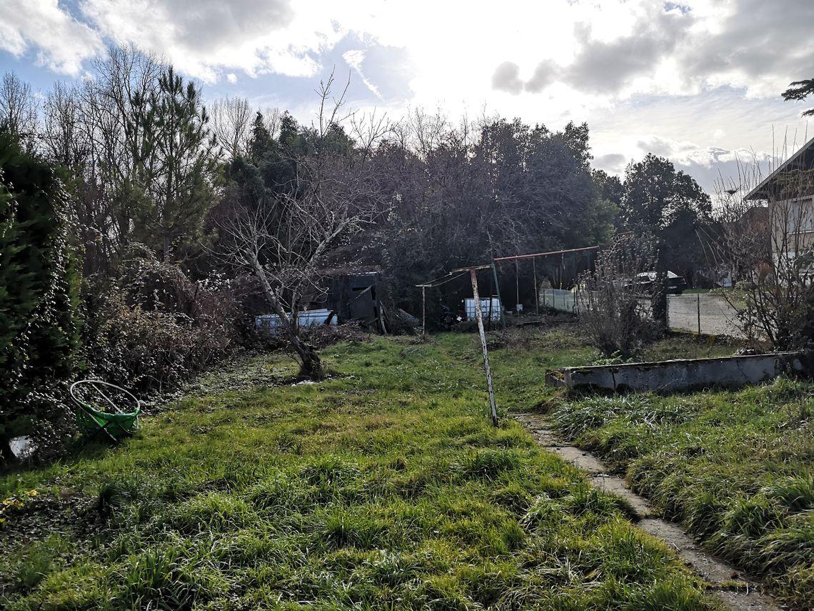 Environnement de cette maison de ville à L'Isle d'Espagnac