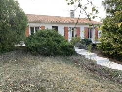 adequat : Pavillon résidentiel avec véranda