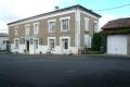 Grande maison charentaise à restaurer