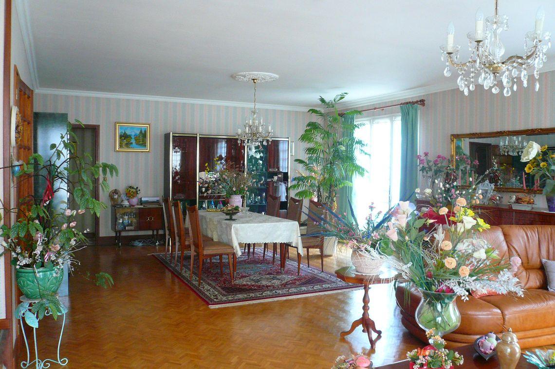 Maison de plain-pied avec beaux volumes à Champniers