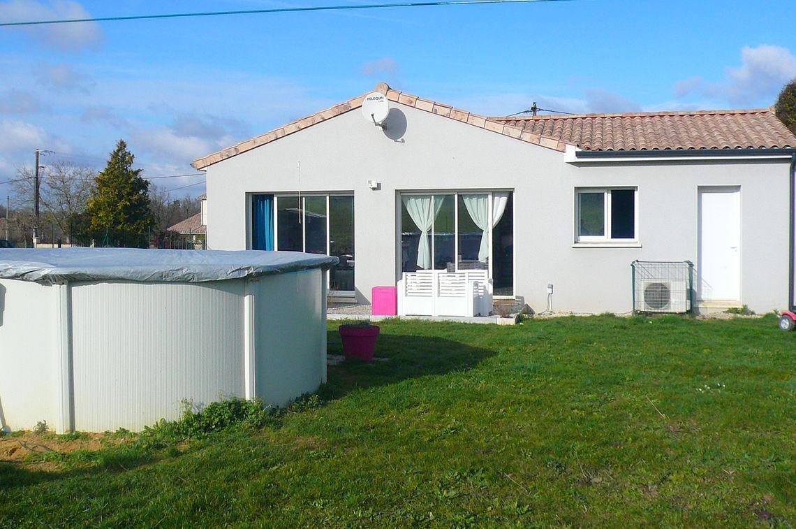 Maison avec jardin située à Champniers