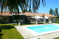 adequat : Maison contemporaine avec piscine