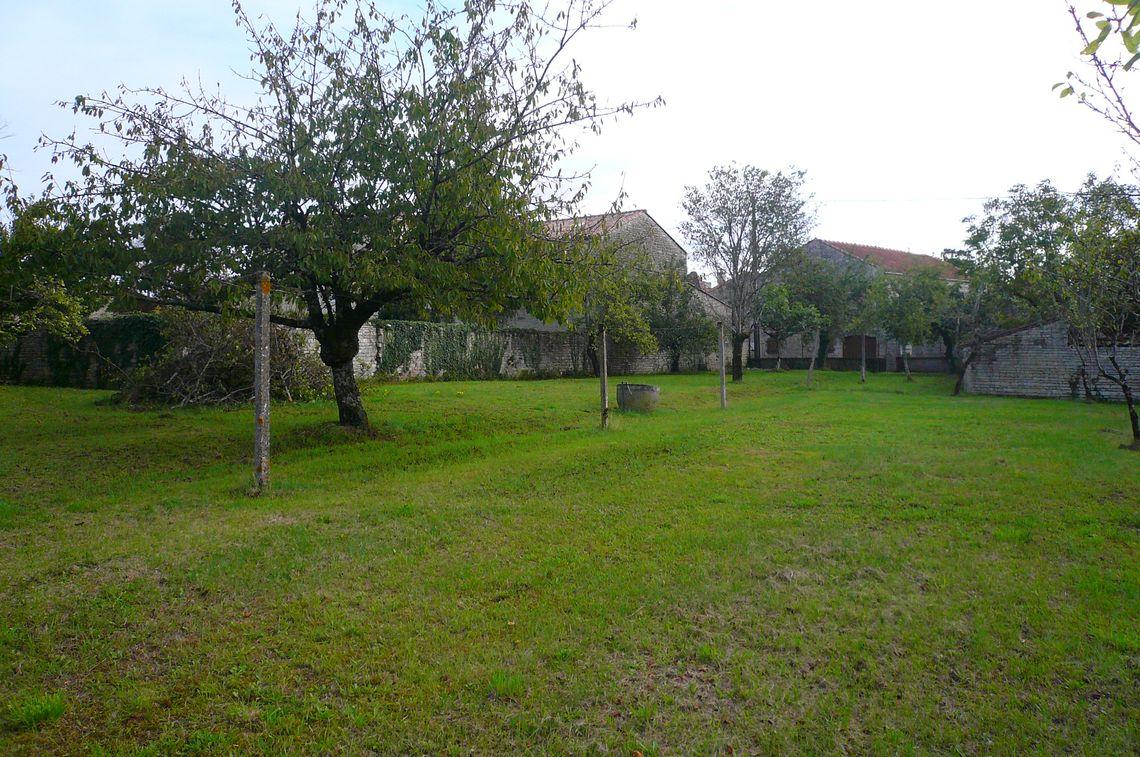 Terrain constructible à Villejoubert